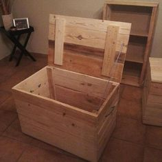 Recycle pallet toy box