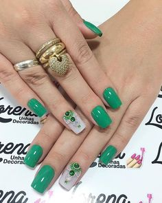 Beautiful Nail Art Ideas You Have To Try - Page 24 of 44 - Nail Stylish Silver Nails, Rhinestone Nails, Green Nail Designs, Nail Art Designs, Fabulous Nails, Perfect Nails, Cute Nails, Pretty Nails, Joy Nails