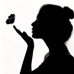 black and white girl silhouette butterfly Silhouette Art, Woman Silhouette, Silhouette Pictures, Silhouette Photography, White Photography, Photography Women, Amazing Photography, Silhouettes, Art Drawings