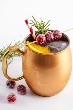 Holiday Mule Cocktail // HomeSweetJones.com- #MoscowMule #HolidayCocktails