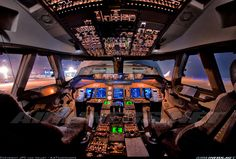 Boeing 747-4R7F/SCD aircraft picture