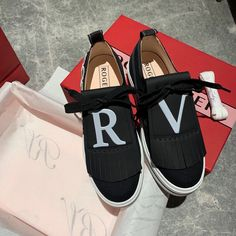 Roger Vivier Shoes, Toms, Sneakers, Fashion, Tennis, Moda, Slippers, Fashion Styles, Sneaker