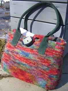 Ravelry: Felted Doctor's Bag pattern by Jennifer Pace, Pipp's Purses