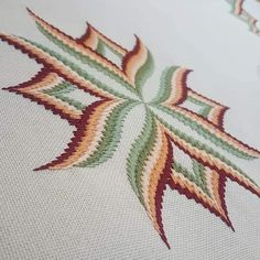Broderie Bargello, Bargello Needlepoint, Cross Stitch Embroidery, Cross Stitch Patterns, Diy Arts And Crafts, Panama, Needlework, Craft Projects, Tapestry