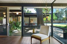 This ain't your mama's midcentury-modern.