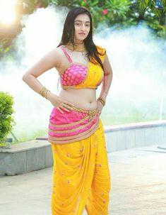 Beauty Full Girl, Cute Beauty, Beauty Women, Dehati Girl Photo, Most Beautiful Bollywood Actress, Beautiful Actresses, Saree Photoshoot, Bollywood Girls, Beautiful Girl Indian