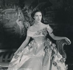 DATE:August 1950 D:Official portrait of H.Princess Margaret for birthday by Baron /original photo Margaret Rose, 20th Birthday, Picture Tag, King George, Bad Habits, British Royals, Queen Elizabeth, Baron, Princess