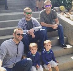 John Brotherton, Cody Walker, Caleb Walker and the cute twins who plays Jack O´Connor