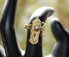 Hey, I found this really awesome Etsy listing at https://www.etsy.com/listing/247888647/alice-in-wonderland-jewelry-secret-lock