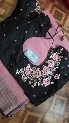 Embroidery designs indian saree blouse Ideas for 2019 Embroid. - Embroidery designs indian saree blouse Ideas for 2019 Embroidery designs indian - Simple Blouse Designs, Stylish Blouse Design, Fancy Blouse Designs, Sari Blouse Designs, Bridal Blouse Designs, Designer Blouse Patterns, Saree Blouse, Saree Dress, Embroidery Designs