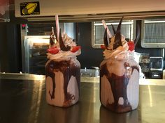 "Agora no City Walk da Universal Orlando ""The TOOTHSOME CHOCOLATE Emporium &…"