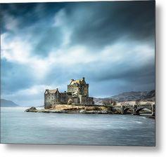 Eilean Donan Castle Metal Print By Lynne  Douglas