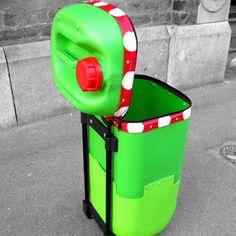 con un envase ms grande podrs convertirlo en un cubo de basura como este ideas