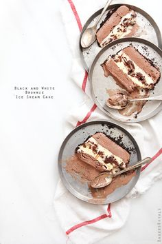 Black and White Brownies Ice Cream Cake - You could pick any two flavors of ice cream, but no one ever complains about the classics. Recipe........http://www.bakersroyale.com/ice-cream-and-frozen-desserts/black-and-white-brownie-ice-cream-cake/
