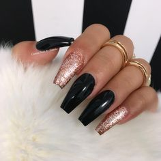 Matte Black Nail Designs Idea 62 best black coffin nails design you may crazy for it Matte Black Nail Designs. Here is Matte Black Nail Designs Idea for you. Matte Black Nail Designs matte black with a splash of glitter prom nails how . Red And Gold Nails, Rose Gold Nails, Sparkly Nails, Nagellack Design, Nagellack Trends, Nail Designs Pictures, Nail Art Designs, Nails Design, Coffin Nail Designs