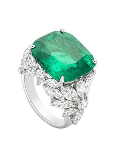 Piaget Ring in Platinum set with Cushion Cut Emerald and Diamonds Emerald Jewelry, High Jewelry, Luxury Jewelry, Diamond Jewelry, Gemstone Jewelry, Jewelry Rings, Emerald Diamond, Emerald Rings, Diamond Rings