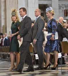 Peter Phillips and wife Autumn Phillips arrive with Zara Phillips and husband Mike Tindall for a service of thanksgiving for Queen Elizabeth II's birthday at St Paul's cathedral on June 2016 in London, United Kingdom. Peter Phillips, Zara Phillips, Autumn Phillips, Queen 90th Birthday, Mike Tindall, Royal Uk, House Of Windsor, Royal Dresses, English Royalty