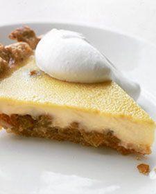 Rum-Raisin Pie in our Thanksgiving Pies gallery Pie Crust Recipes, Tart Recipes, Dessert Recipes, Baking Recipes, Pie Crusts, Appetizer Recipes, Appetizers, Raisin Pie Recipe, Raisin Recipes