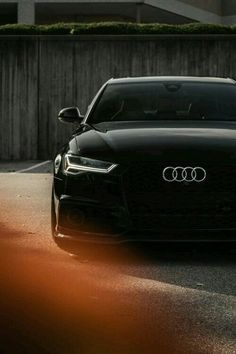 "Audi auf 21 ""Vossen Rädern - I Love Motorrad Luxury Sports Cars, Audi Sports Car, Sport Cars, Allroad Audi, Audi R8 V10, Audi A1, Fancy Cars, Cool Cars, Audi Sportwagen"