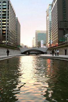 Seoul, (S-)Korea