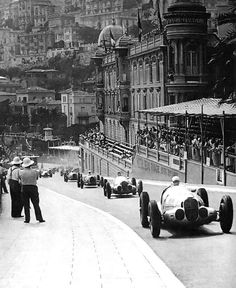 1937 Monaco Grand Prix - The battle . Manfred von Brauchitsch leads Rudolf Caracciola, going against team orders, The two drivers battled for the lead in the 1937 Grand Prix de Monaco. Von Brauchitsch took the win. Course Vintage, Sport En France, Carl Benz, Mercedes Benz, Gp F1, Course Automobile, Auto Union, Classic Race Cars, Monaco Grand Prix