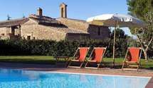 Villas In Italy, Vacation Apartments, Tuscany, Homes, Book, Outdoor Decor, Holiday, Home Decor, Homemade Home Decor