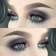 Fascinating purple eye makeup look for green eyes Loading. Fascinating purple eye makeup look for green eyes Makeup Looks For Green Eyes, Purple Eye Makeup, Green Makeup, Smokey Eye Makeup, Eyeshadow For Green Eyes, Eye Makeup For Hazel Eyes, Eyemakeup For Green Eyes, Copper Eyeshadow, Red Eyeliner