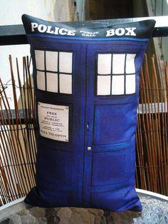 Time police box Doctor Space Cabine téléphonique Who Geronimo Coussin Docteur Dalek Dr
