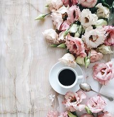 Such beautiful flowers with coffee!