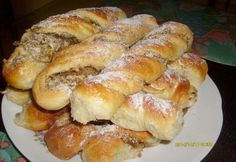 ené rolky s jableÄ? Albanian Recipes, Croatian Recipes, Hungarian Recipes, Czech Recipes, Nut Recipes, Sweet Recipes, Sweet Pastries, Bread And Pastries, Köstliche Desserts