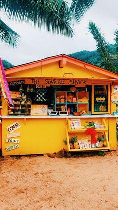 Beach Aesthetic, Summer Aesthetic, Aesthetic Photo, Aesthetic Pictures, Aesthetic Yellow, Photo Wall Collage, Picture Wall, Collage Art, Summer Feeling