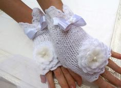 White Fingerless Gloves Wool Mittens White by coloratamarmellata, $32.00