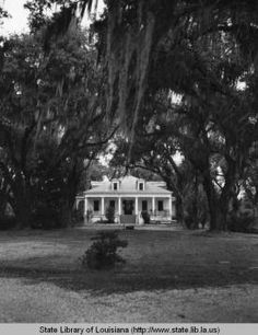 Tezcuco plantation home near Burnside Louisiana in 1969 :: State Library of Louisiana Historic Photograph Collection