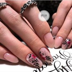 Make an original manicure for Valentine's Day - My Nails Sassy Nails, Cute Nails, Pretty Nails, Oval Nails, Pink Nails, Hair And Nails, My Nails, Nailart, Floral Nail Art