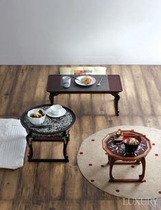 소반, 공간을 완성하다 Traditional Interior, Korean Traditional, Cafe Interior, Interior Exterior, Cafe Concept, Home Design Diy, Minimal Living, Portable Table, Pinterest Home