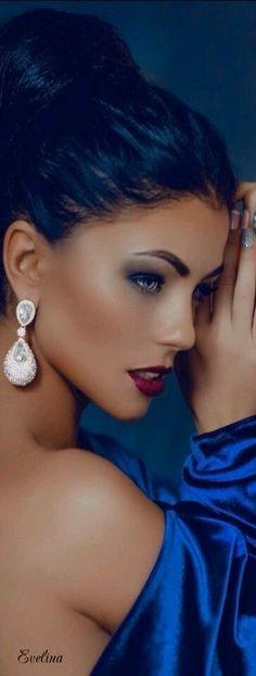 """Essence of Beauty ~ That  """" Look """" ✦  https://www.pinterest.com/sclarkjordan/essence-of-beauty-~that-look/"""