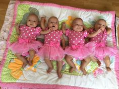 She Gave Birth to Quadruplets. Then Doctors Saw Her Babies' Faces… It Was One in 15 Million Twin Baby Boys, Twin Girls, Twin Babies, Baby Kids, Toddler Braided Hairstyles, Toddler Braids, Cute Little Baby, Little Babies, Cute Babies