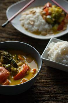 Perfektes Rezept - einfach und lecker - gelbes Thai Curry mit Erdnüssen (vegetarisch)