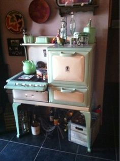 Super Maid antique stove (c: 1923-1929)
