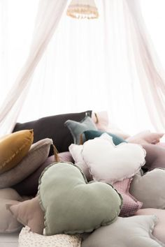 Kids room - Heart cushions by Numero 74 - Via Mokkasin