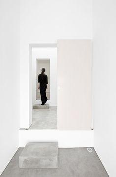 minimal interior inspiration | interior design. Innenarchitektur . design d'intérieur | @ stxxz |