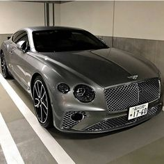 Rate it ⤵️ Bentley Continental GT 😍😍 What do you think of it? Luxury Sports Cars, Top Luxury Cars, Maserati, Ferrari, Fancy Cars, Cool Cars, Rolls Royce, Supercars, Aston Martin