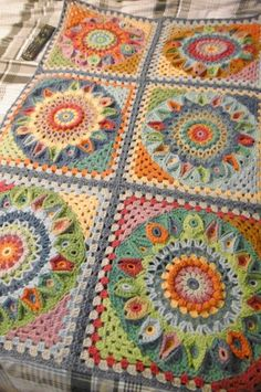 Susan Pinner: Spinning Top Blanket BORDER?