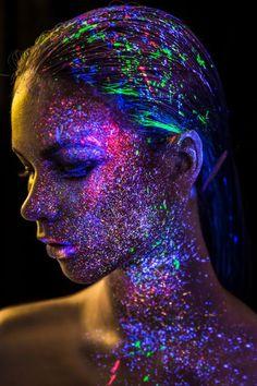 Under the ultraviolet light  Makeup:Hikari Chang Hair:Hank Photograghy:Uliz Hung Model:Kate Mazurok