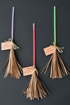 These glow stick broomsticks make a great favour for a Halloween party or even a Harry Potter party. They're cute, whimsical and have tons of character!