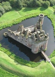 Besieging Moated Castles: Crazy Things I Learned Researching Books - Ciara Ballintyne