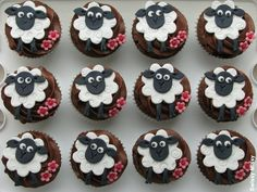 It's Timmy Time! I love how all of their expressions are different! Eid Cupcakes, Sheep Cupcakes, Easter Cupcakes, Yummy Cupcakes, Cupcake Day, Cupcake Cakes, Fancy Cakes, Cute Cakes, Sheep Fondant