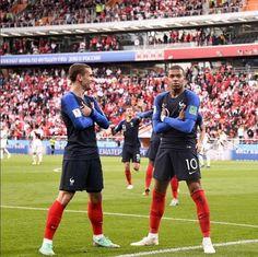 Football 2018, Football Icon, Football Soccer, Football Players, Soccer Teams, Soccer Stuff, Antoine Griezmann, Lionel Messi, Cristiano Ronaldo