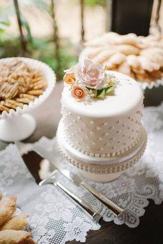 Orange and Pink Rustic Miami Wedding from Shea Christine Photography - wedding cake idea High Tea Wedding, Wedding Sweets, Miami Wedding, Wedding Table, White Cakes, Blue Cakes, Pretty Cakes, Beautiful Cakes, Mini Cakes