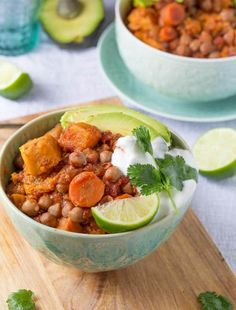 Slow Cooker Sweet Potato Chickpea Chili - an 8-10 hour slow cooker recipe that is ready when you walk in the door from work! sweetpeasandsaffron.com @sweetpeasaffron